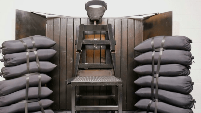 Tennessee Death Row Inmates File Lawsuit to Request Firing Squad Execution