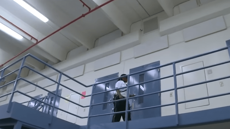 Family of Panamanian detainee who hung himself is suing ICE