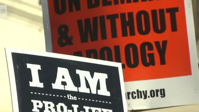 Federal judge blocks Mississippi's Abortion Law