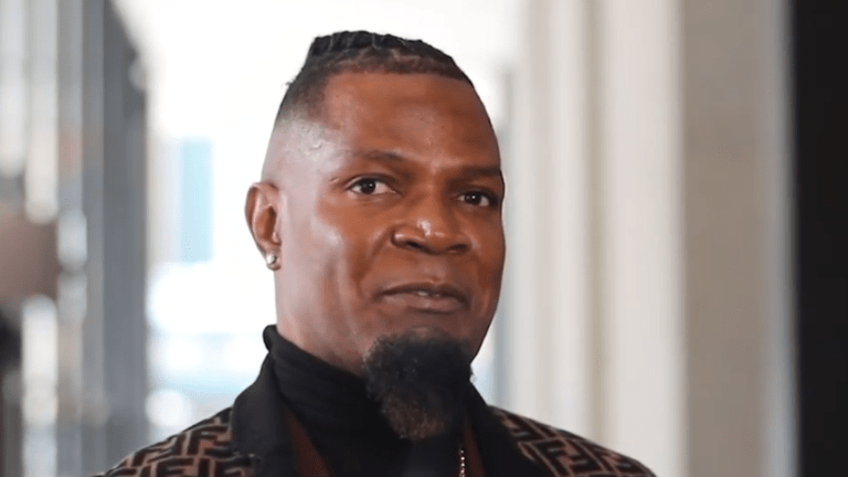 R. Kelly Crisis Manager Steps Down; Cites 'Personal Reasons'