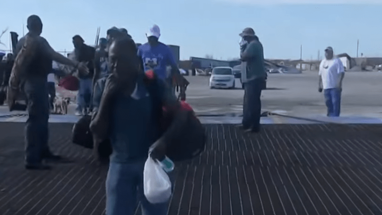 At least 100 Bahamians removed from boat headed to U.S. because they did not have Visas