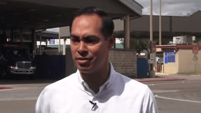 Julián Castro escorts LGBTQ and disabled asylum seekers across Mexican border