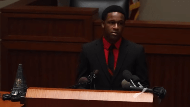 Botham Jean's brother accepts award from police training agency