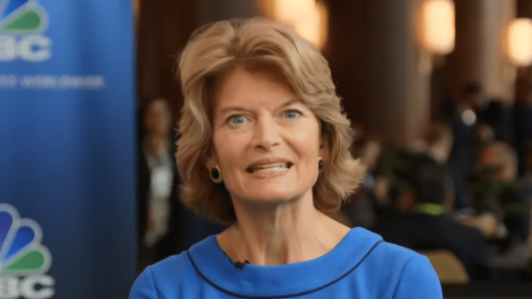 Republican Sen. Lisa Murkowski 'disturbed' by McConnell's coordination with the White House