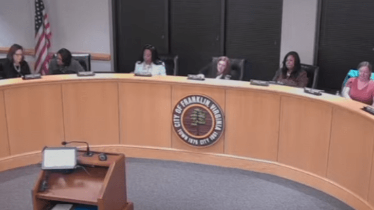 Virginia school board votes against banning Confederate clothing