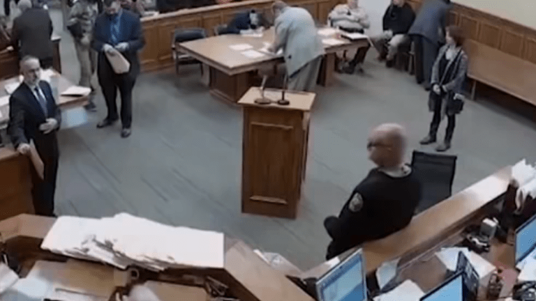 Wilson County Judge apologizes for comment about 'regular white man' hours in court